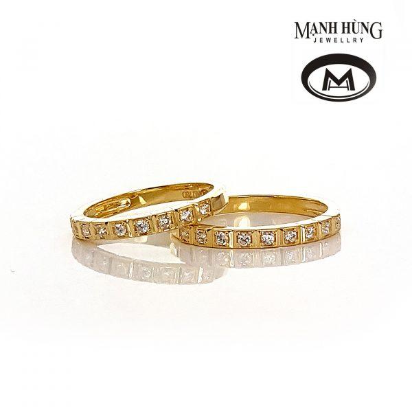 Nhẫn cưới gắn đá quý