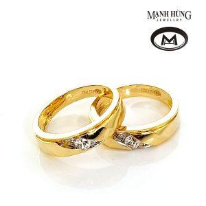 Nhẫn cưới vàng ý gắn đá